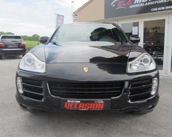 PORSCHE CAYENNE – PHASE 2 3.0 V6 D 240 TIPTRONIC S FULL BLACK
