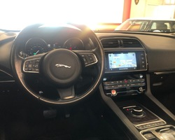 Jaguar F-Pace 2.0D 180ch Portfolio 4x4 BVA8 Toit Pano Pack Hiver FULL OPTIONS
